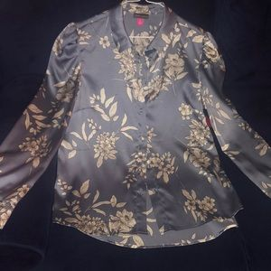NWT Floral Grey Blue Vince Camuto Satin blouse